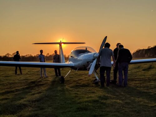 Nistelrode motorzwever sunset zweefvliegtuig